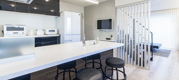 エクセレントホームで建てた長期保証のスタイリッシュなキッチン