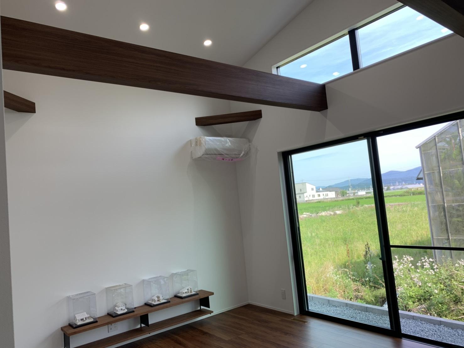家中に笑い声の響く勾配天井のお家